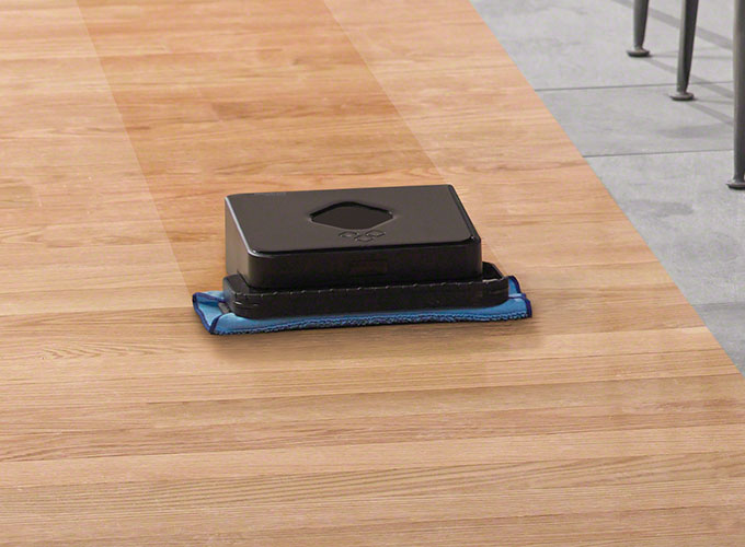Triple-pass mopping action and damp cleaning cloths clean everyday dirt and grime.