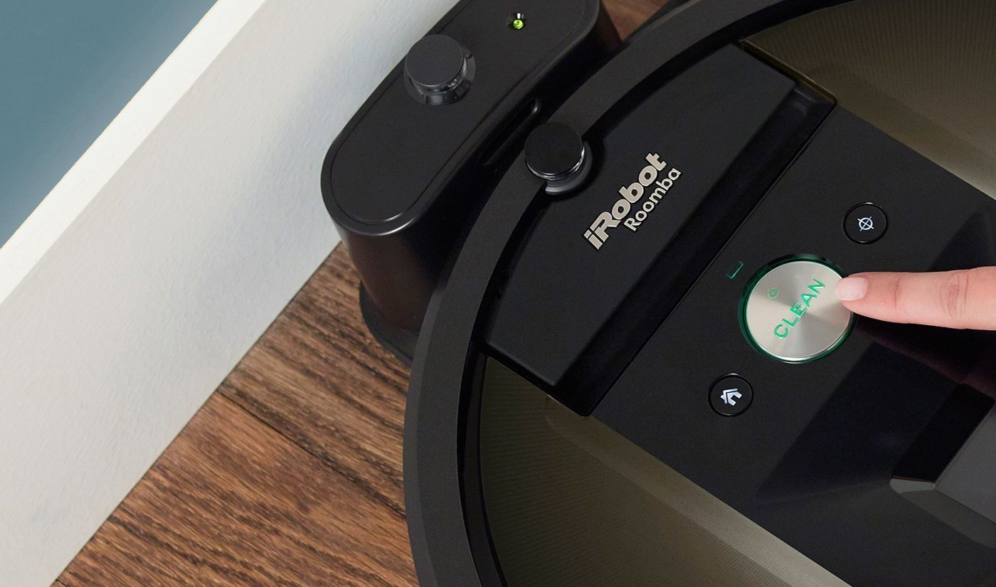 iRobot Roomba is incredibly simple to use. Just press CLEAN and it gets to work vacuuming your floors, even when you're not there.