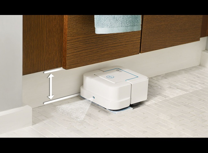 With its square shape and compact size, Braava jet ™ gets into hard-to-reach places, including under and around toilets, into corners and below cabinets